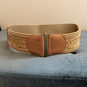 Leather braided belt with stretchy back
